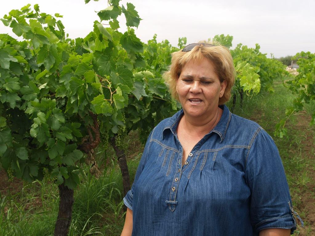 http://www.winchesterfairtrade.org.uk/wp-content/uploads/2012/03/1115-7-Elisess-Farm-4-Elise.jpg